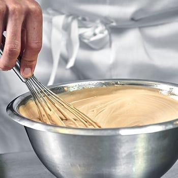 Plaque anniversaire en pâte d'amande blanche  moyen modèle