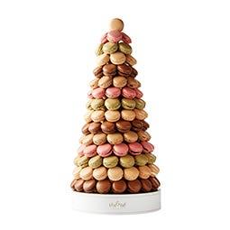 Pyramide de macarons fours assortis de 123 pièces